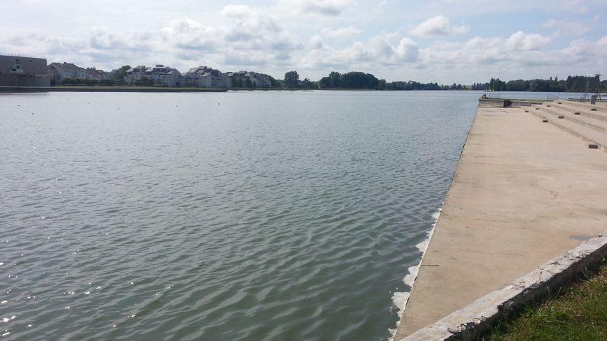 Le lac d'Auron à Bourges, écrin des championnats de France d'aviron ce weekend