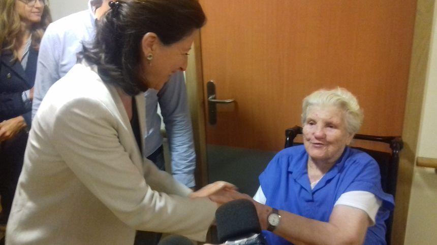 Agnès Buzyn rencontre les patients et patientes à Renazé