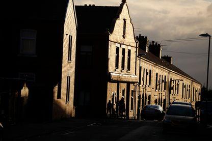 Pavillons ouvriers dans un quartier populaire de Oldham