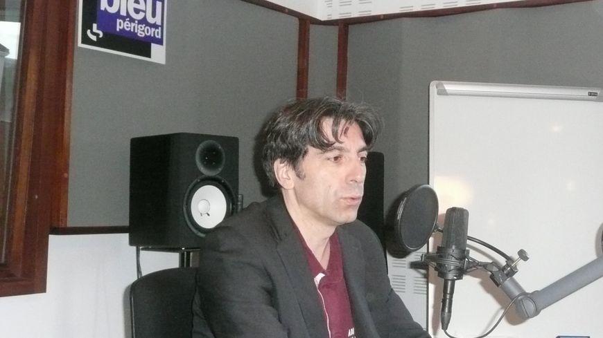 Jean Louis Lévêque en studio
