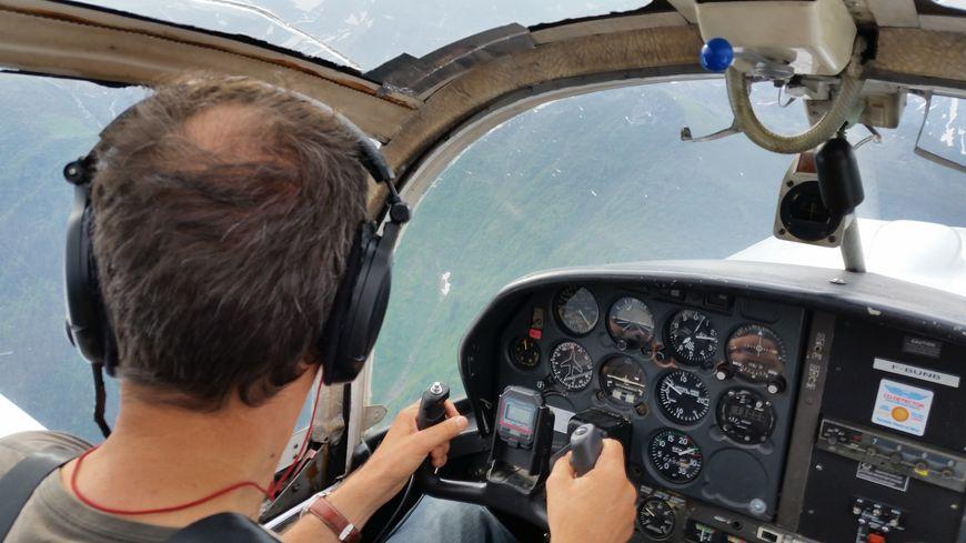 Jean-Luc Hébrard aux commandes du Rallye de l'Aéroclub du Grésivaudan