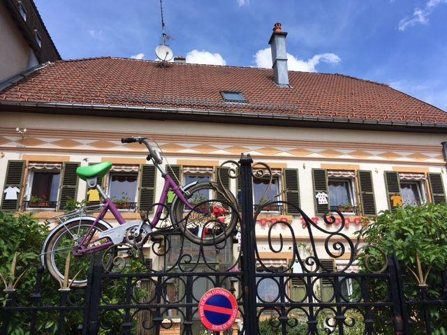 La maison juste à côté de la mairie de Plancher les Mines est l'une des plus décorées du village