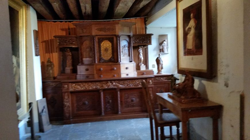 La sacristie de la chapelle du château de Virieu
