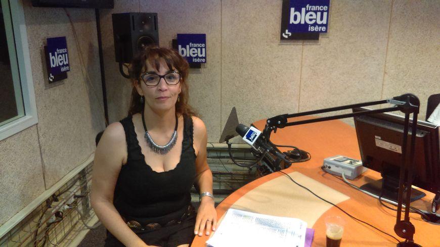 """Lynda Bensella, secrétaire départementale de la CGT en Isère : """"Ce que nous prépare Macron, c'est l'exécution du droit du travail."""""""