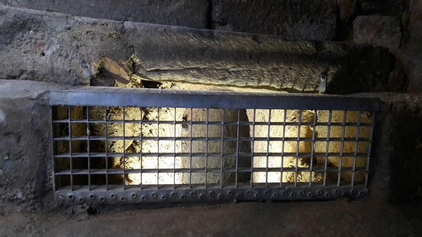 Un ancien aqueduc est visible depuis les souterrains de la Règle à Limoges.