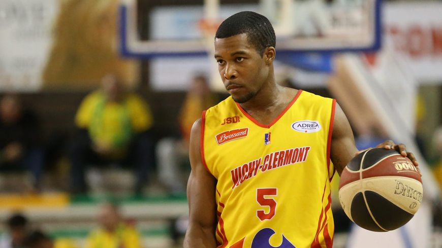 Dustin Ware jouait cette saison sous les couleurs de Vichy-Clermont.