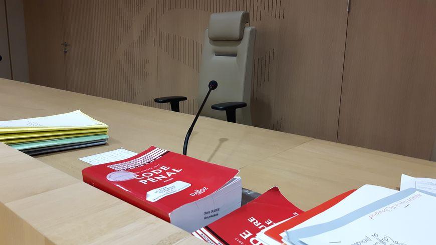 Suspension d'audience au tribunal correctionnel de Béziers.