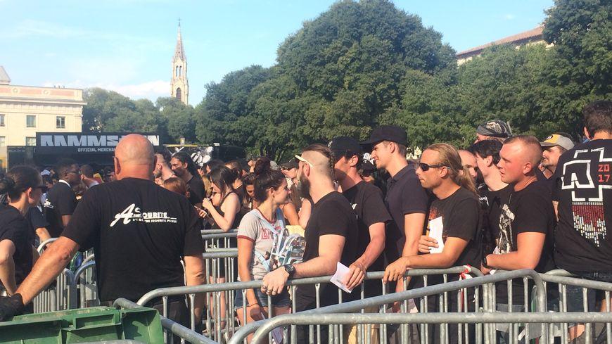 Les fans de Rammstein impatients d'aller voir leur groupe