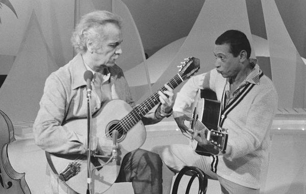 Georges Brassens et Henri Salvador dans l'émission 'C'est L'Ete', en juin 1978.