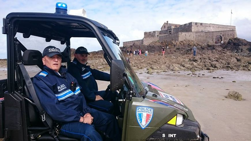 Saint malo les policiers municipaux s quipent de cam ra - Grilles indiciaires police municipale ...