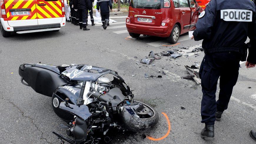 Tours accident mortel d 39 un jeune motard boulevard heurteloup for Accident mortel a salon de provence