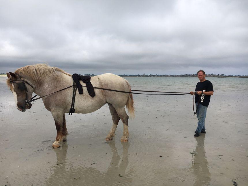 Thomas éléveur de postier breton
