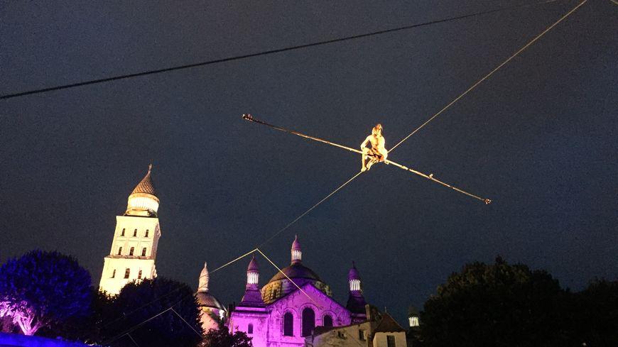 Johanne Humblet, funambule a dansé sur ce câble pendant une demi-heure.