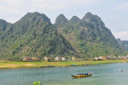Hang Son Doong, au Vietnam, la plus grand grotte du monde