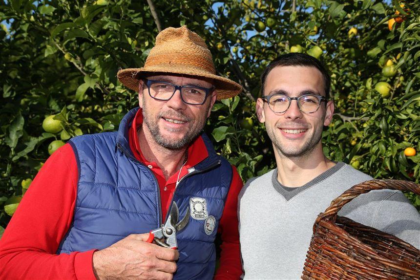 Laurent (a gauche) et Adrien, agrumiculteurs de père en fils