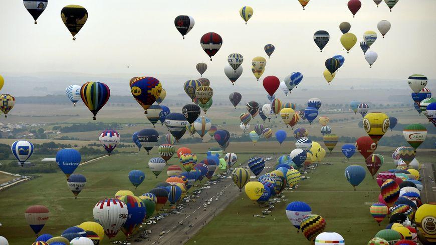 Malgré le record et un succès populaire, Philippe Buron Pilâtre s'interroge sur l'avenir du Mondial Air Ballons