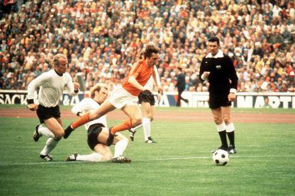 Johan Cruyff pendant le match RDA-RFA lors de la finale de la coupe du monde de 1974.