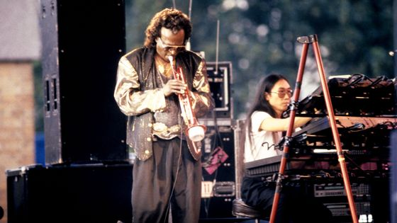 Miles Davis et Kei Akagi en juillet 1990