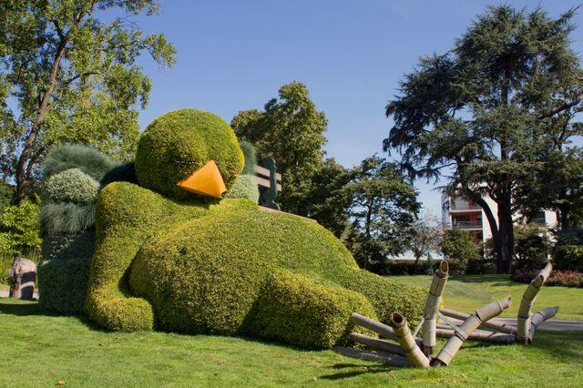 Le poussin dormeur de Claude Ponti se découvre dans les allées du Jardin des Plantes