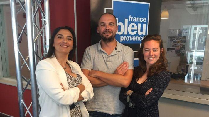 Karine Haroutunian (à gauche) aux côtés d'un autre expert William Coignard et de Mélanie Masson, animatrice à France Bleu Provence