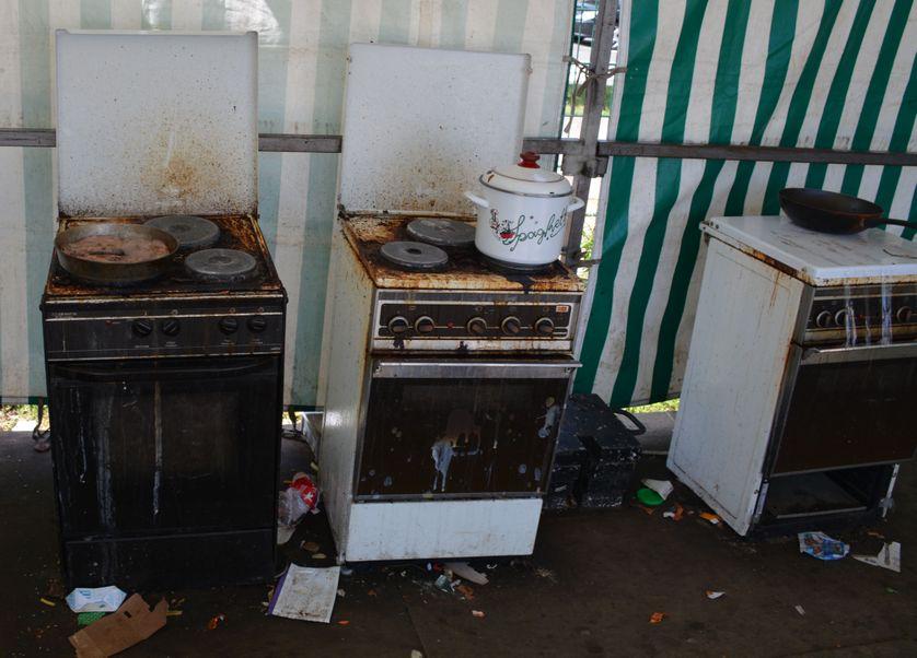 Le coin cuisine du camps de Blida en juillet 2017.