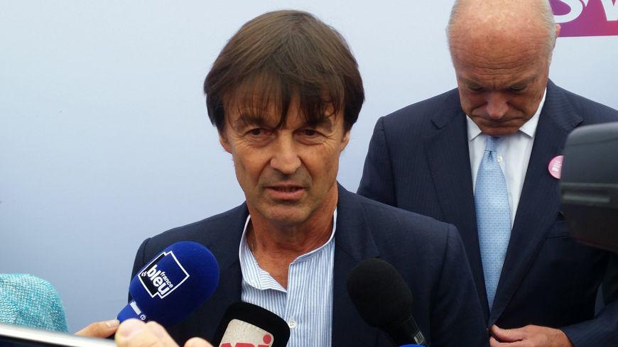 Le ministre de la transition écologique Nicolas Hulot et le président de la région Nouvelle-Aquitaine Alain Rousset.