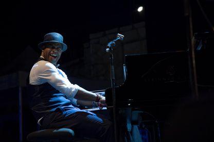 Roberto Fonseca sur scène au Nice Jazz Festival le 17 juillet 2017