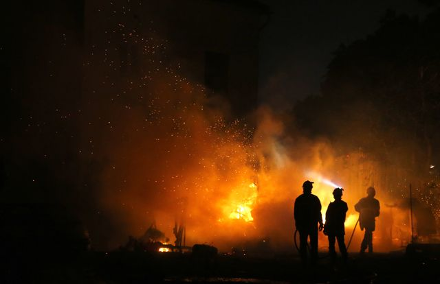A Biguglia, en Corse, les flammes menacent des habitations qui ont été évacuées
