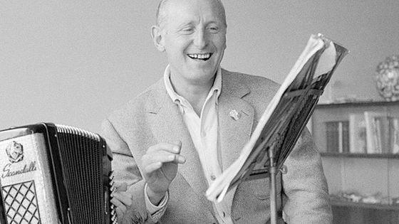 André Raimbourg, alias Bourvil, en 1962.