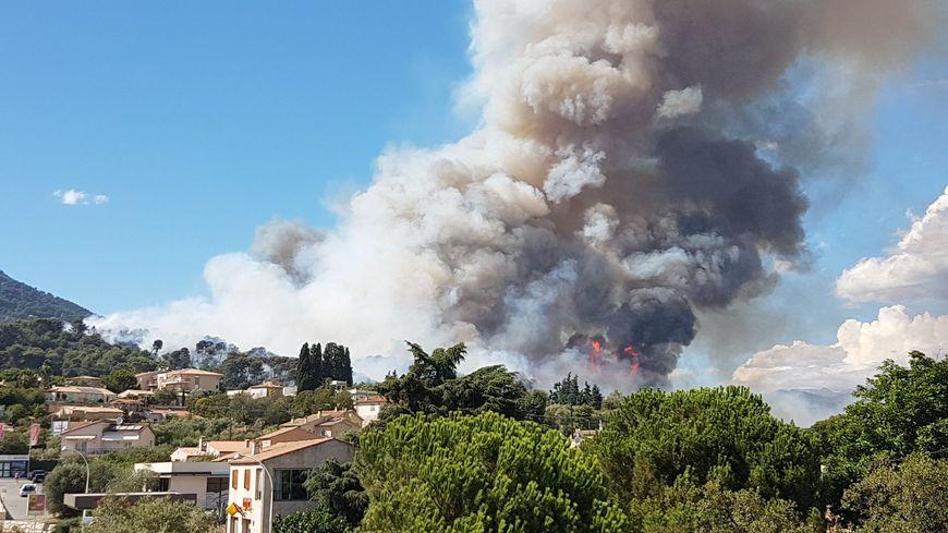 Un incendie s'est déclaré ce lundi après-midi à Carros près de Nice.