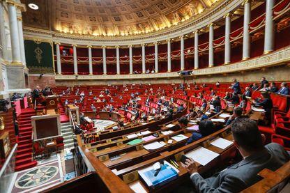 Débat à l'Assemblée nationale sur un projet de loi sur la moralisation de la vie politique, le 28 juillet 2017.