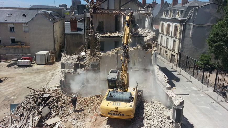 La démolition de l'ilôt Brunet Rollinat de Vierzon à débuté