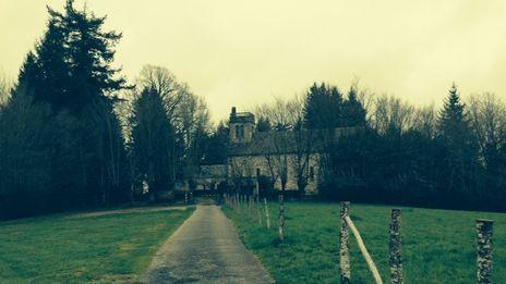 Notre-Dame-de-Belpeuch, résidence de la communaute des frères de la Résurrection