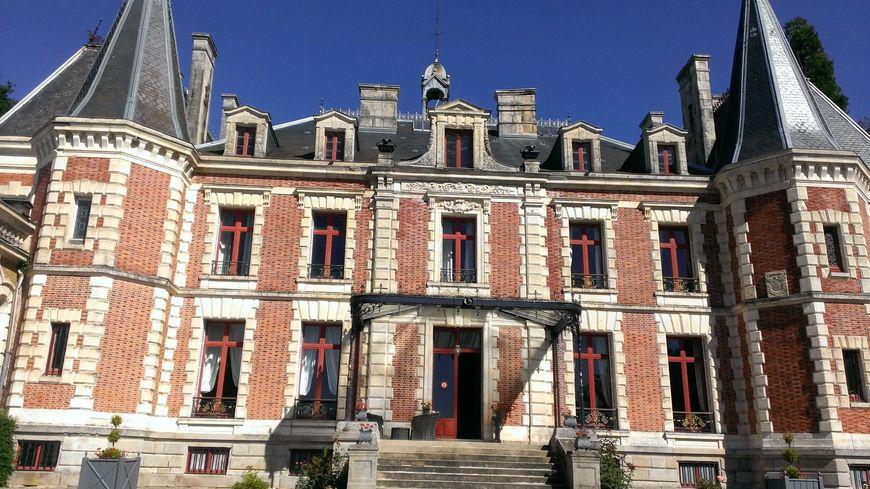 Ils rêvaient d'un château, c'est en 1994 que les Duchambon rachètent le domaine de Walmath