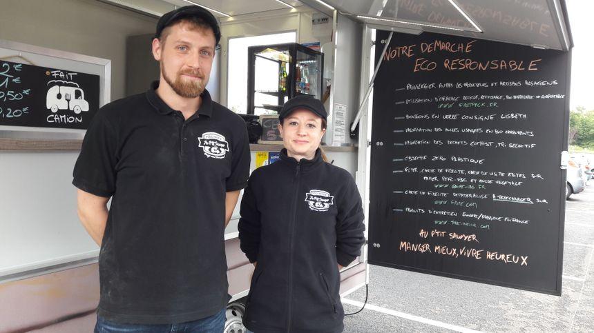 Jérôme et Clémentine tiennent un food truck éco-responsable