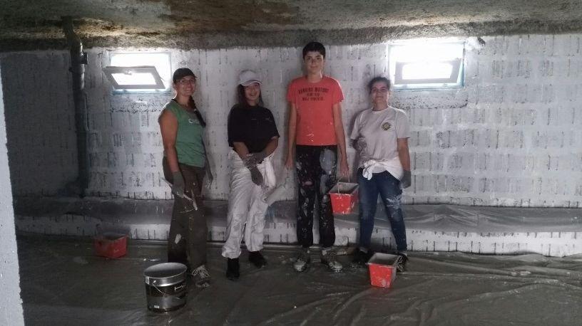 Les jeunes et leur éducatrice Laetitia ont travaillé pendant deux jours sur ce chantier