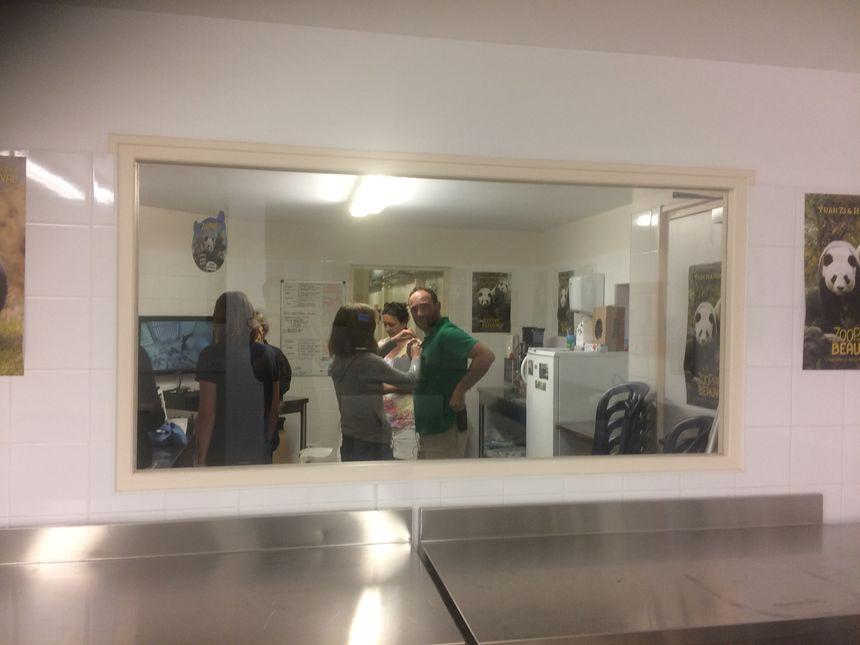 L'équipe des soigneurs dans la maternité