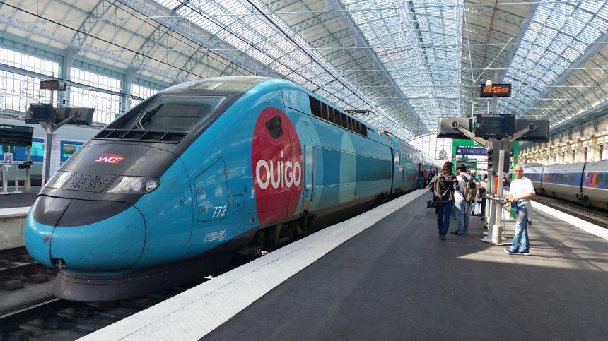 L'arrivée du premier TGV Ouigo en gare Saint-Jean à Bordeaux.