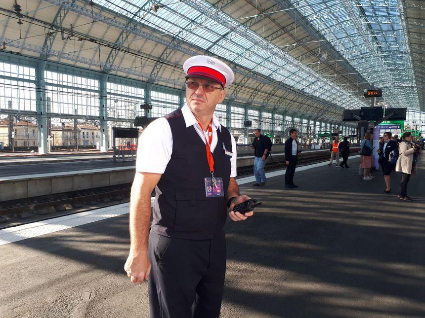 Olivier Lacombe, chef de service, a coordonné le départ de Bordeaux du premier TGV en 2h04.