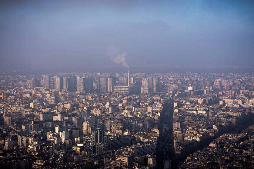 Photo prise le 29/12/2016, à Paris, lors d'un épisode de pollution