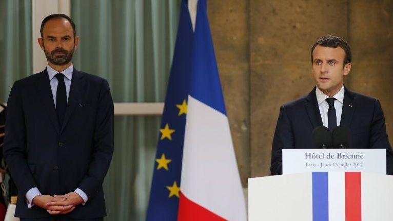 Edouard Philippe et Emmanuel Macron vont à la rencontre des élus locaux à l'occasion de la première Conférence des Territoires.