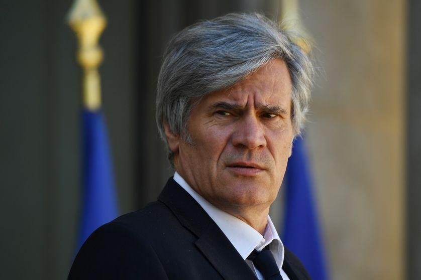 Stéphane Le Foll dans la cour de l'Elysée, à Paris, le 12 avril 2017