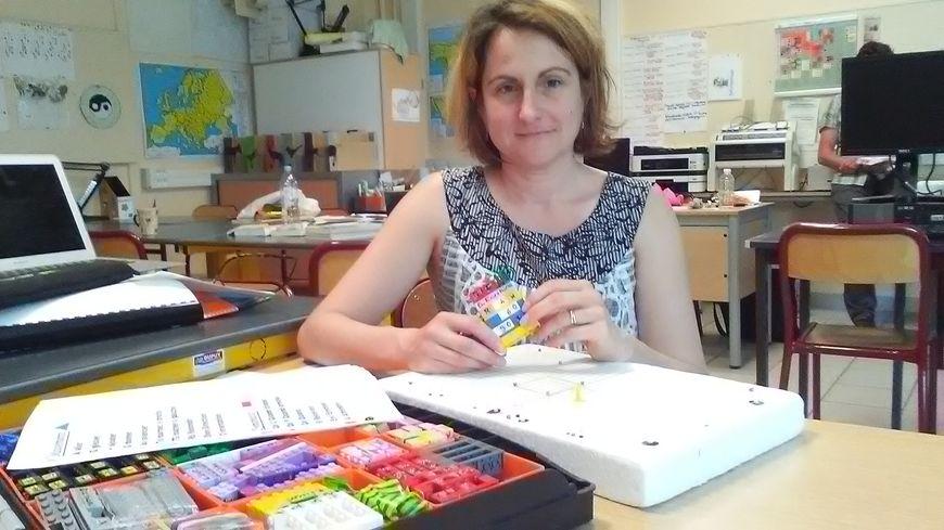 Sandrine Boissel nous présente sa malette pédagogique, baptisée Accesi-dv-Scratch