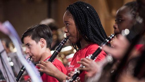 Orchestre Demos, El Sistema : 7 ans d'orchestres de jeunes défavorisés en France
