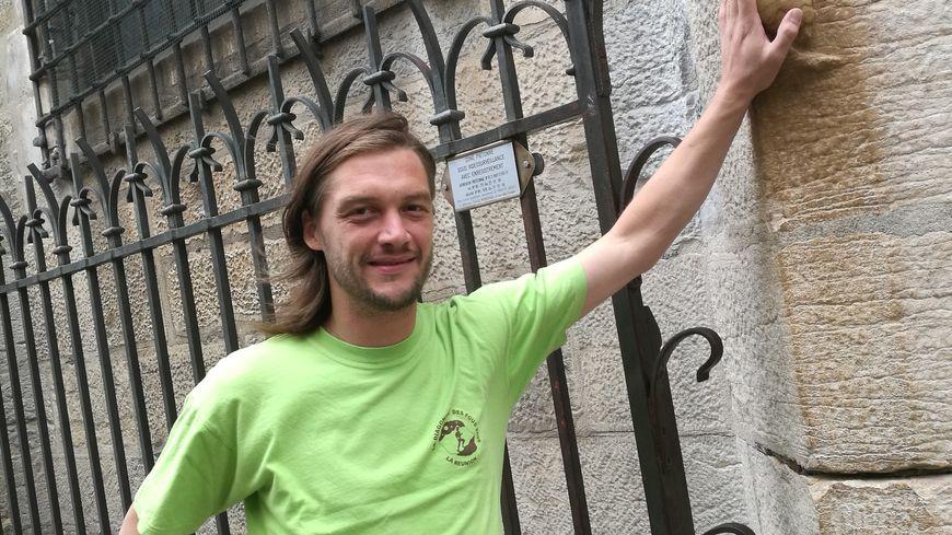 Bertrand Carlier a une formation d'historien à l'Université de Bourgogne