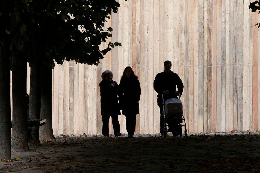 Famille dans l'ombre