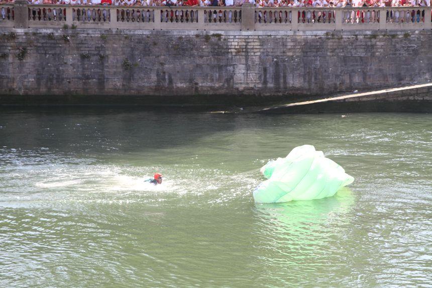 dans l'eau à Bayonne