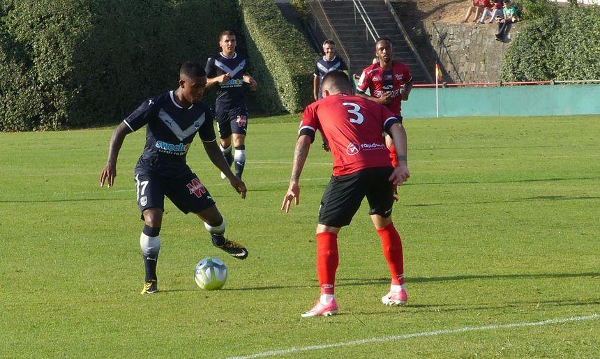 Malcom, ici face à Pedro Rebocho, a manqué un penalty.
