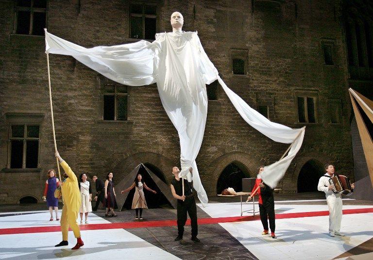 """""""L'acte inconnu"""", une pièce écrite et mise en scène par Valère Novarina, 2007, Avignon"""