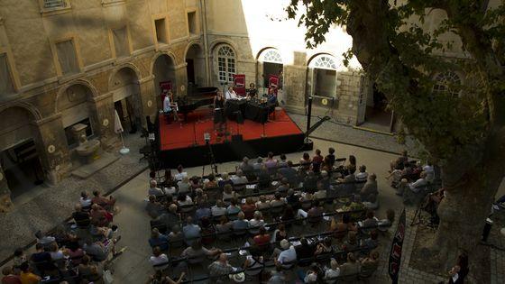 Carrefour de Lodéon en public depuis le Festival d'Aix-en-Provence